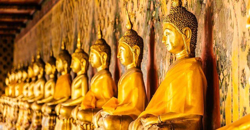 Statue di buddha massaggio thai